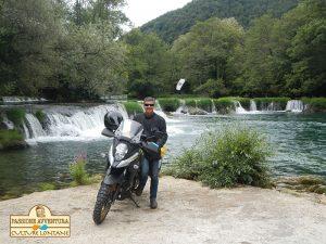 Angoli di paradiso viaggiando in moto sul confine tra la Bosnia e la Croazia