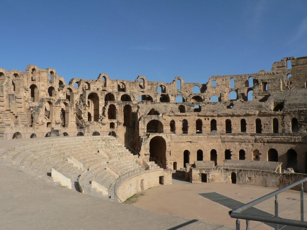 L' interno dell' anfiteatro di El Jem